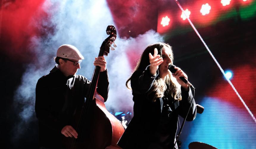 Die fantastische Tamara Obrovac (Kroatien) eröffnete das Konzert zur Rettung der Flüsse. © Nick St. Oegger