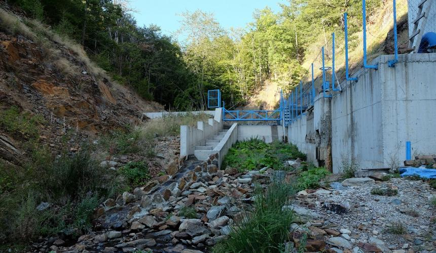The hydropower plant Brajcinska reka 1 was financed by EBRD. This plant destroys one of the last populations of Prespa trout. © Igor Vejnović