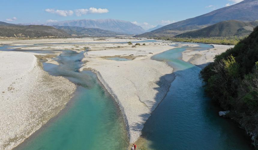 At the Symposium the scientists discussed the critical condition of rivers worldwide and the need to protect the last intact river systems, like the Vjosa in this picture ©  Gabriel Singer