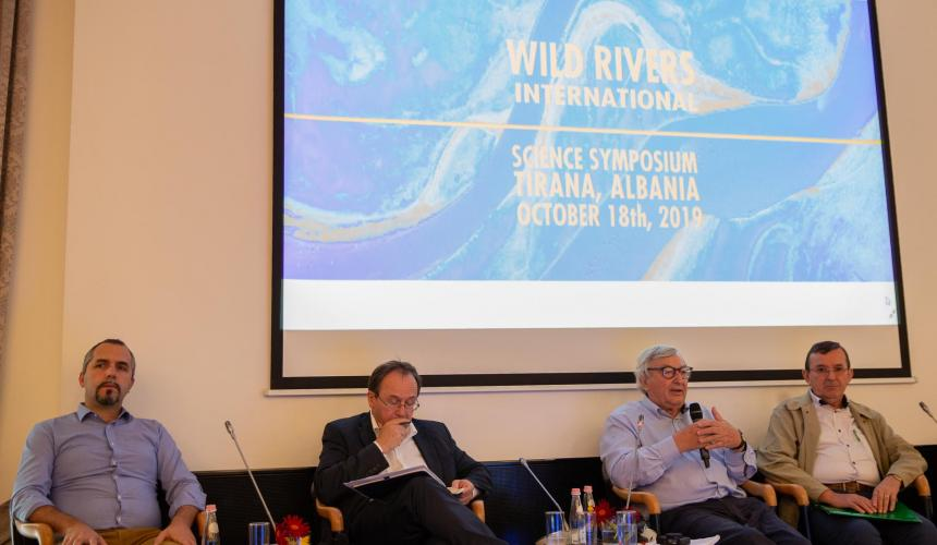 About 120 scientists from all over the world discussed the critical condition of rivers worldwide and the need to protect the last intact river systems © Becky Holladay