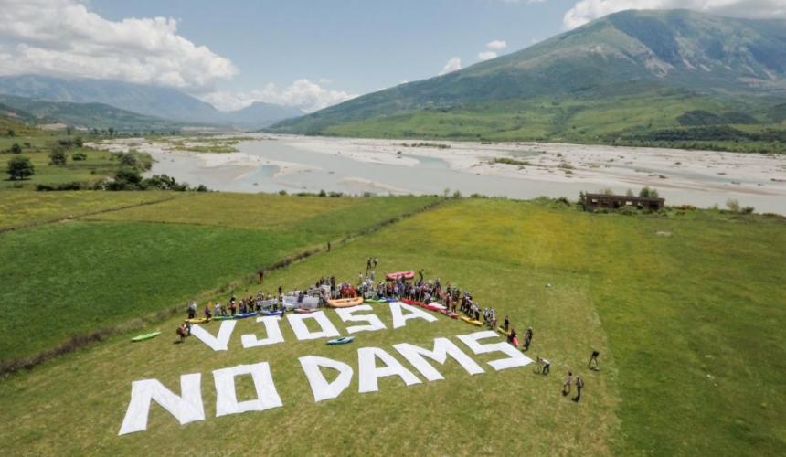 Die Vjosa ist der letzte große Wildfluss Europas der noch frei fließen darf. Spende, damit das auch so bleibt! © Oblak Aljaz