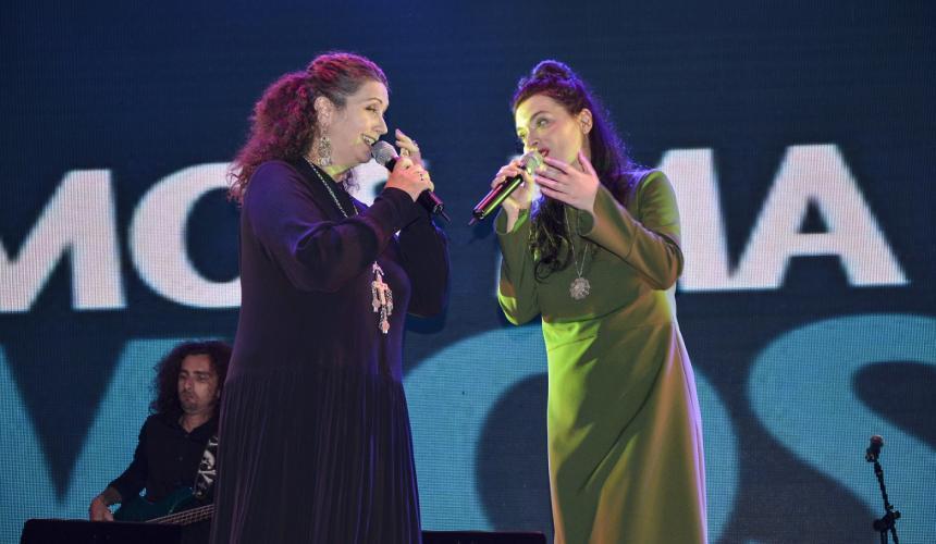 The initiators of the Vjosa concert: amazing Eda Zari (left) and fabulous Elina Duni (right) © Moris Rama