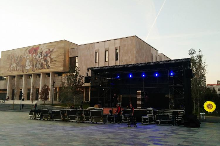 Preperation for tonight's Vjosa concert in Tirana © Cornelia Wieser
