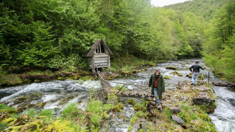 Die Sana Quelle. Das Medna Wasserkraftwerk steht nur ein paar hundert Meter weiter. © Majda Slámová / Arnika