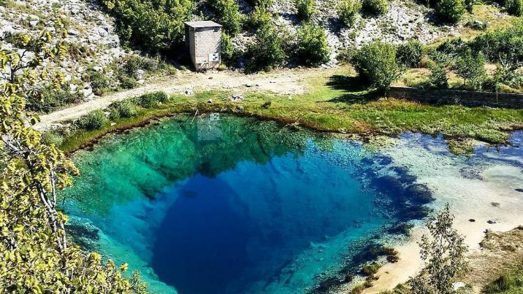 The source of the Cetina river © Courtesy of the Ne daj se, Cetino! - Spasimo Peruću i Cetinu od termoelektrane! Facebook group