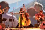 The amazing Linda Rukaj with Charles Lamouroux (left) and Florian Garcin (right) © Moris Rama