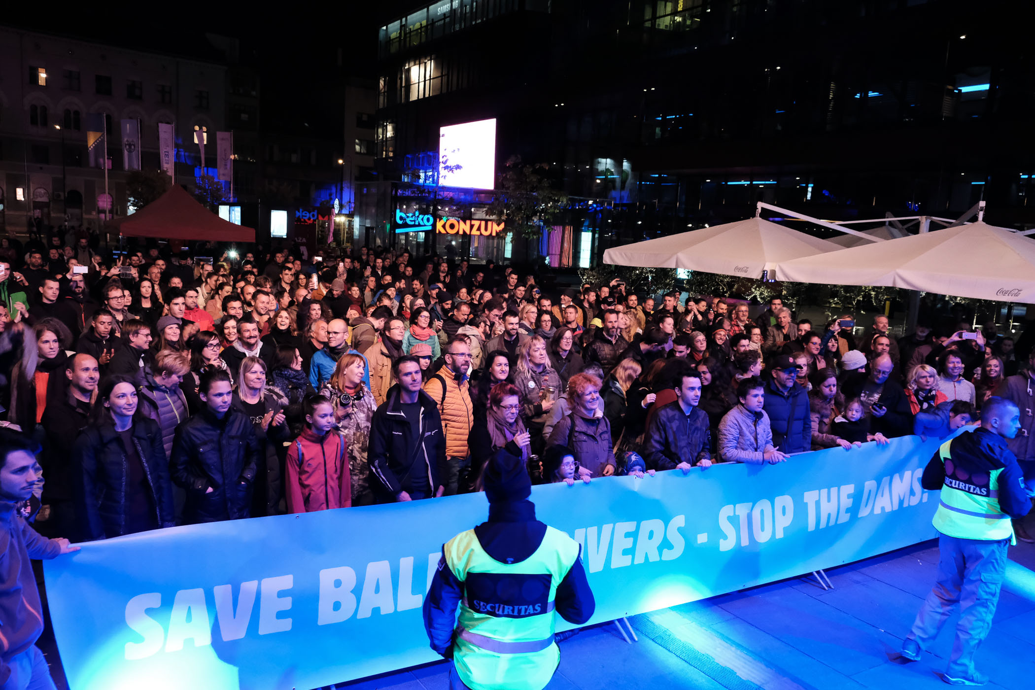 Hundreds of people attended the Concert for Balkan Rivers in Sarajevo on September 29th. © Nick St. Oegger