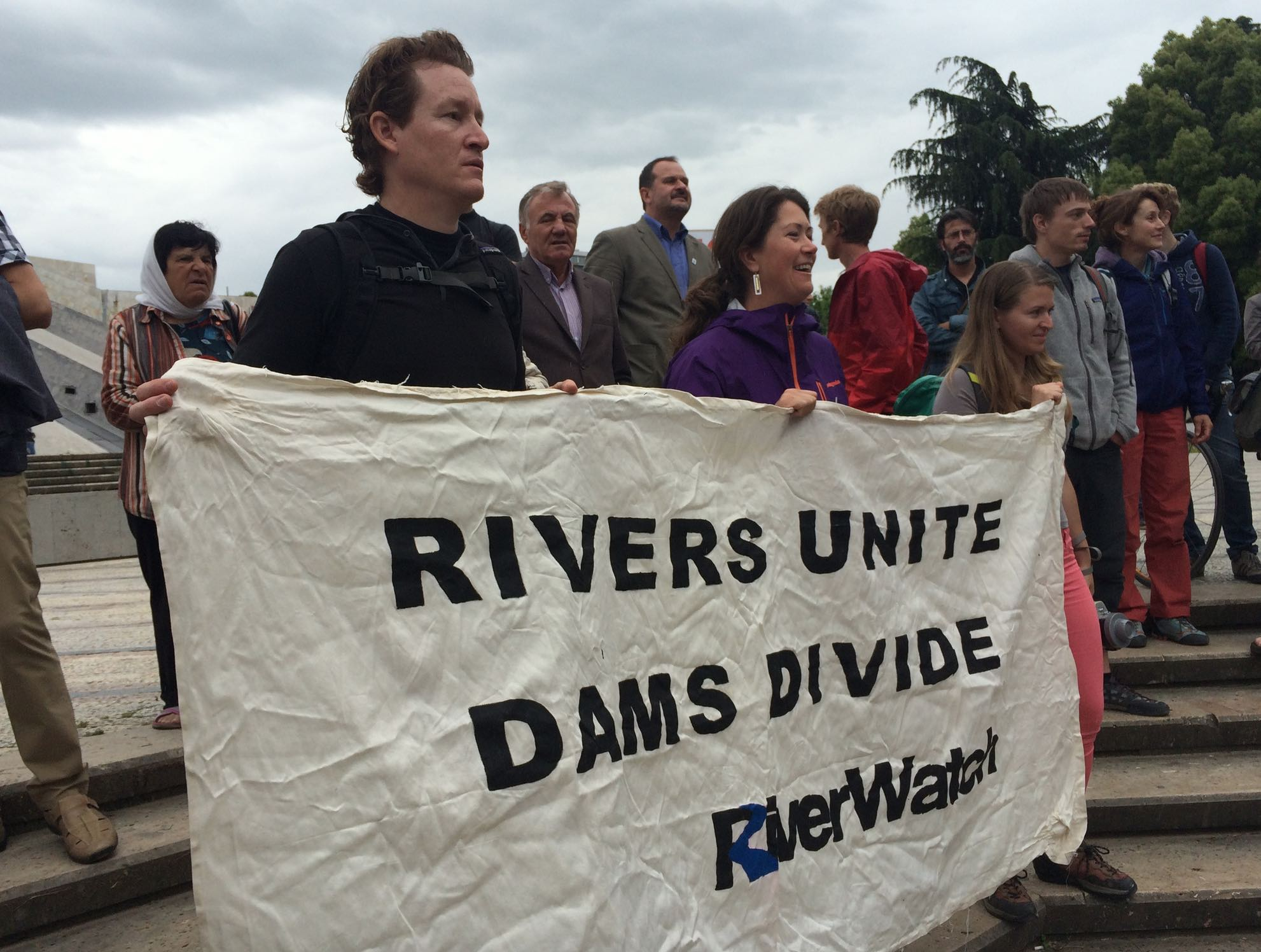 """Rivers unite, Dams divide"" © RiverWatch"