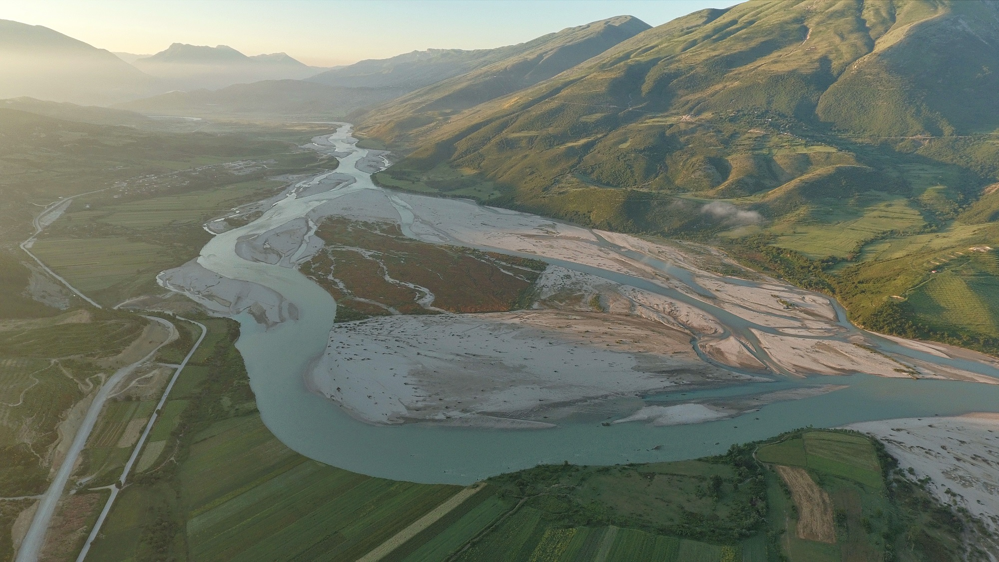 The Vjosa is one of the last free wild rivers of Europe outside Russia. The European Parliament demands her protection. © Gregor Subic