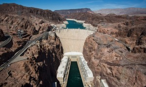 Der Hoover Dam in Nevada/US. Photo: Jim Lo Scalzo/EPA; http://www.theguardian.com/environment/blog/2015/jan/12/12-dams-that-changed-the-world-hoover-sardar-sarovar-three-gorges#img-1