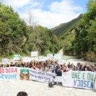 Protest against the construction of a hydropower project. The Bence – a tributary of the Vjosa – is one of the most beautiful rivers in Albania. 95% of its water is to be diverted into pipelines. Photo: Ervis Loçe