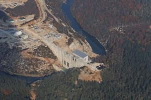 Das Lesce Wasserkraftwerk am kroatischen Fluss Dobra hat seit der Auftragsvergabe 2010 zahlreiche Probleme verursacht. © Goran Safarek