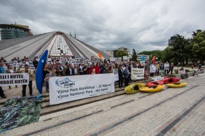 About 250 people – kayakers, politicians, residents of the Vjosa valley and nature conservationists – protested in Tirana for the protection of the Vjosa and against dams © Andrew Burr
