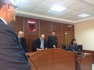 2.Im albanischen Verwaltungsgerichtshof: die Richter entscheiden im Sinne des letzten großen Wildflusses Europas.  © Olta Hadushaj